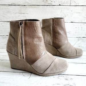 Toms Tan Suede & Croc Pattern Leather Wedge Boots